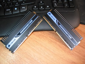Corsair Dominator XMS2 PC2-8500 (DDR2 1066)