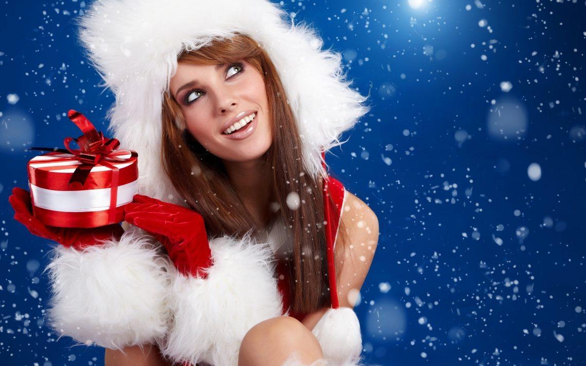 Miss Santa mit Geschenken